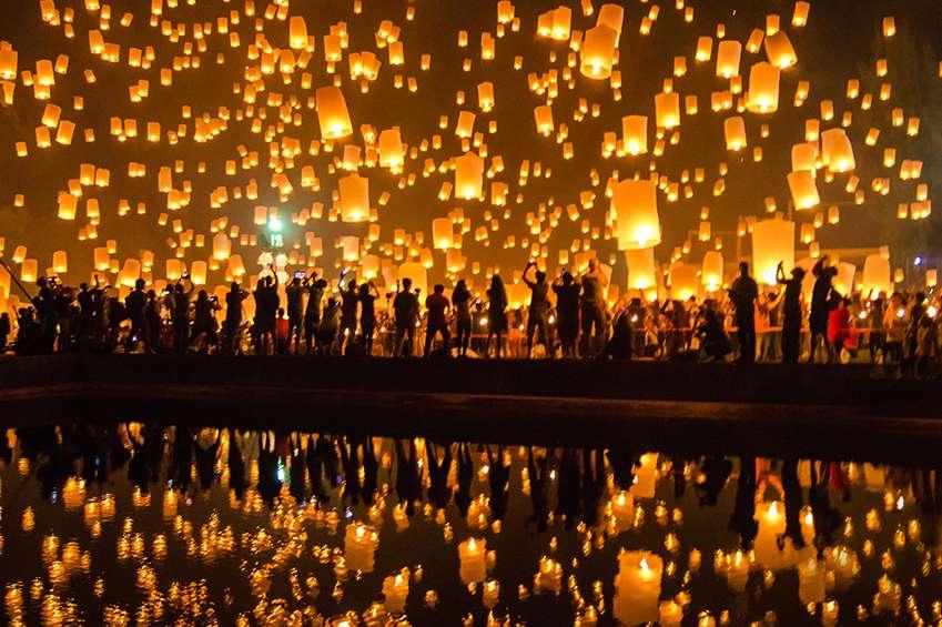 luchtballonnen opgelaten menigte infinity uitvaartzorg uitvaartverzorging in zoetermeer