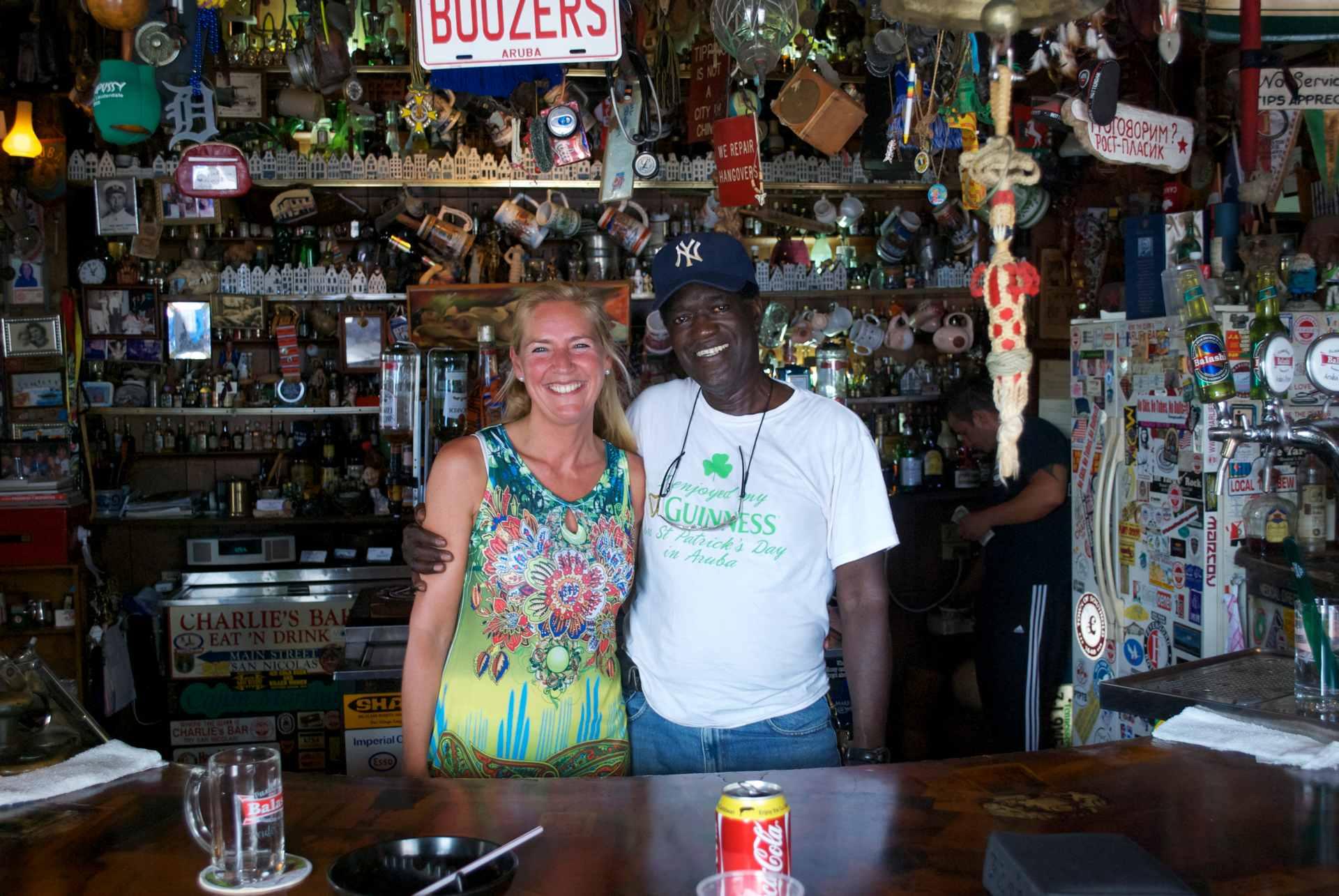 charlies bar aruba monique kupras